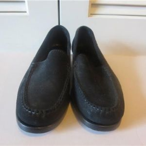 COLE HAAN COUNTRY LOAFER BLACK  6.5